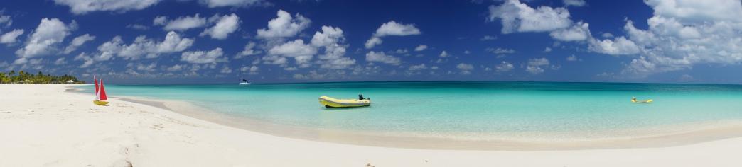 Mouillage seul au monde à Barbuda